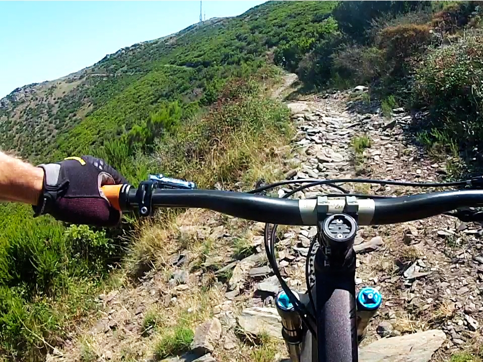 Mountainbiker am Cap de Creus